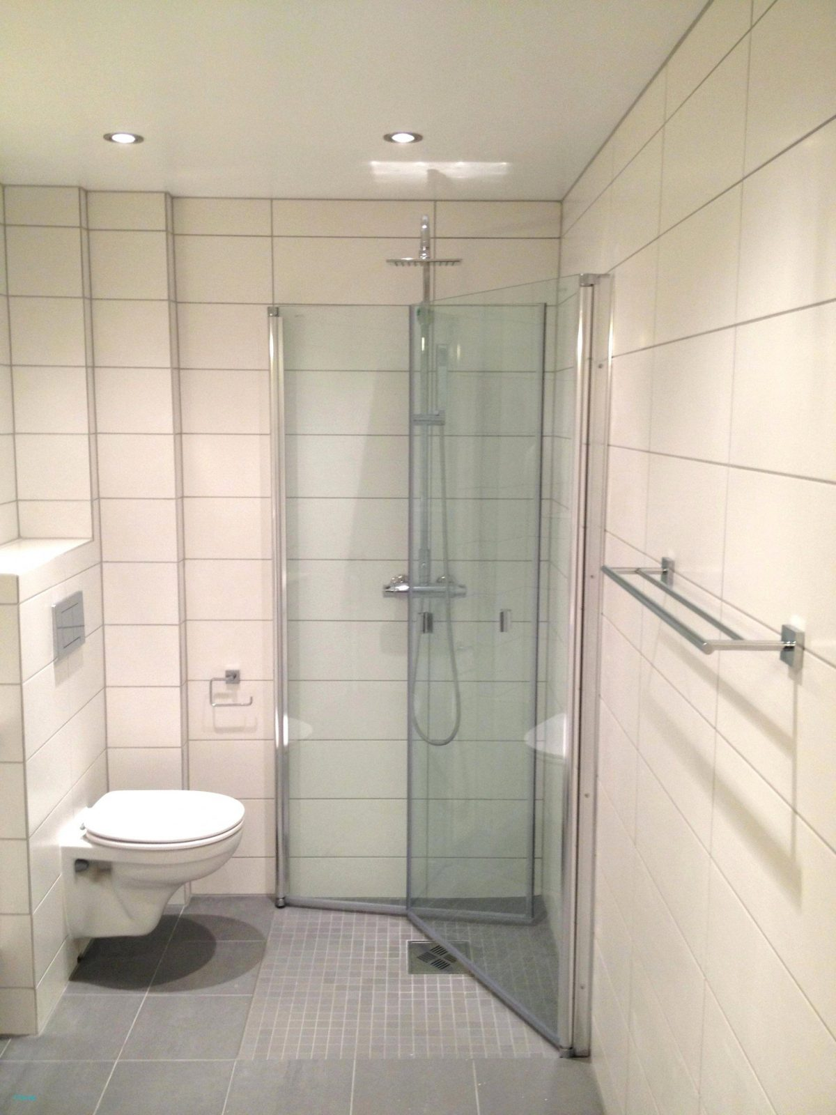Neu Dusche Renovieren  Badezimmer Innenausstattung 2018 von Bad Selber Renovieren Kosten Bild