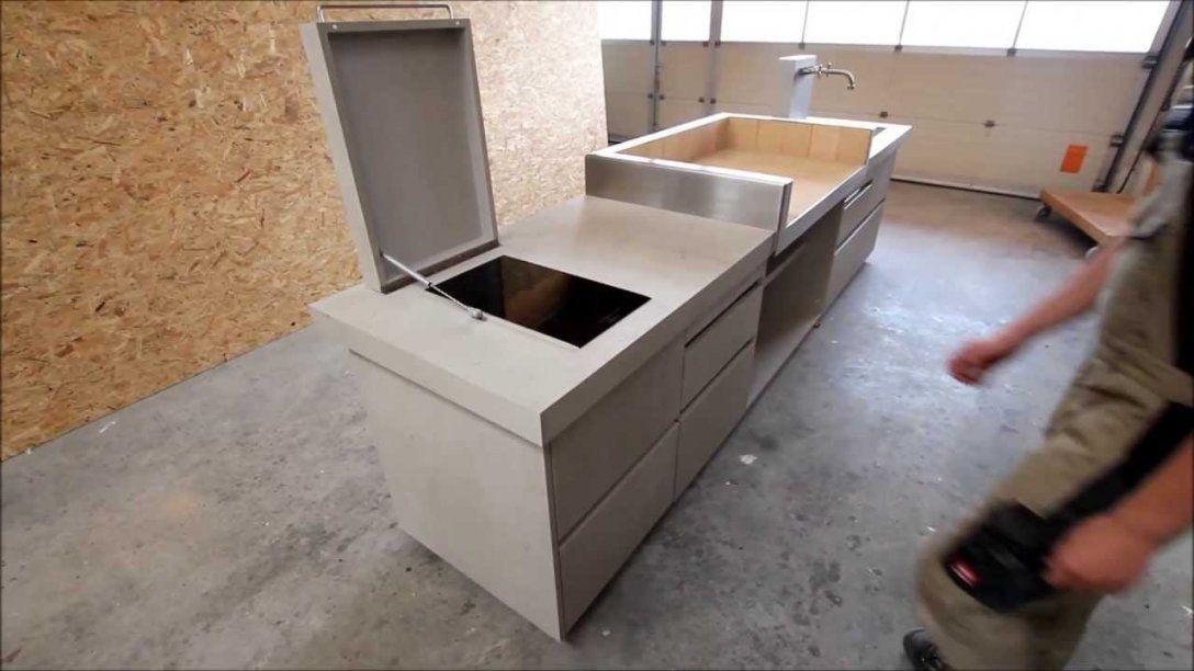 Outdoorküche In Betonoptik Von Wwwschreinereiaumueller  Youtube von Küchenarbeitsplatte Beton Selber Machen Bild