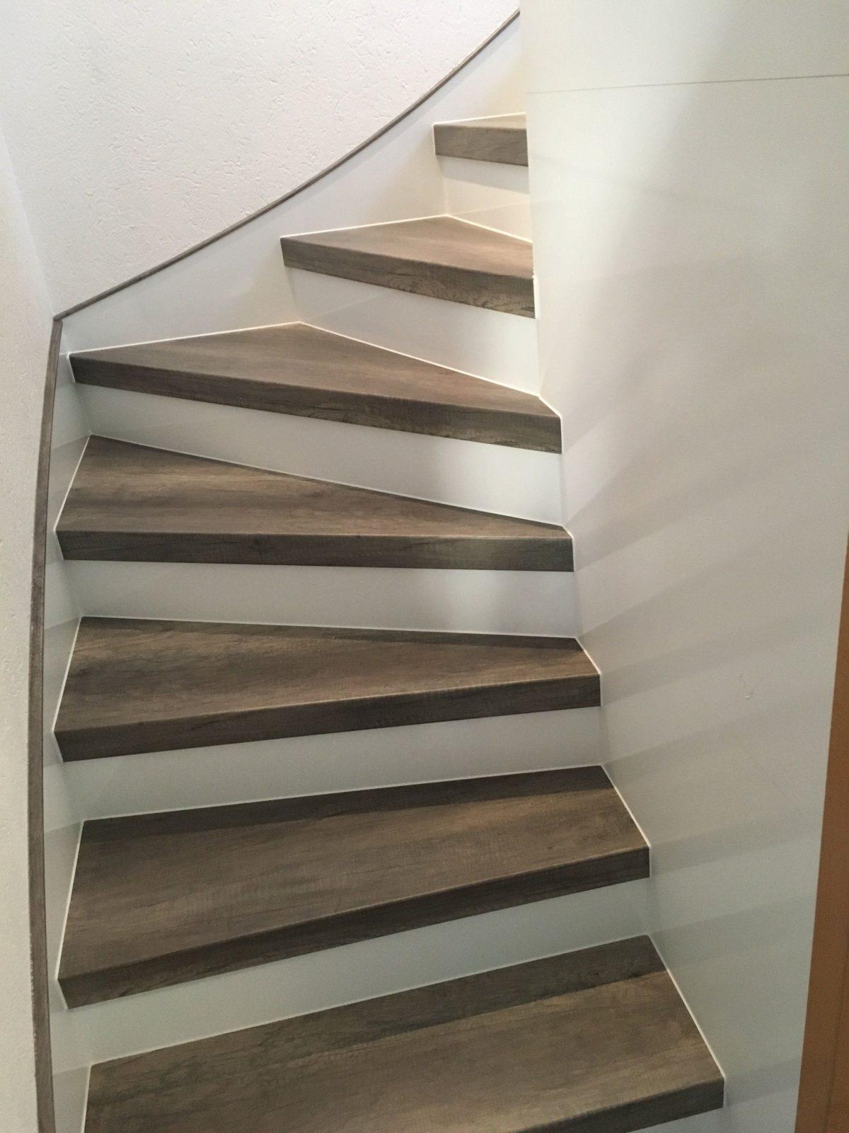 Pin Van Treppenrenovierung Schran Op Alte Treppe Neu Gestalten von Alte Treppe Neu Gestalten Bild