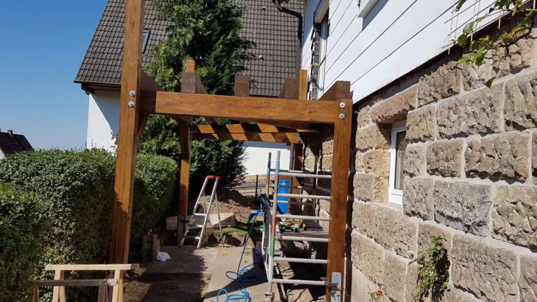 Projekt Anstellbalkon In Holzbauweise  Balkon Holz Bausatz  Youtube von Anbaubalkon Holz Selber Bauen Bild