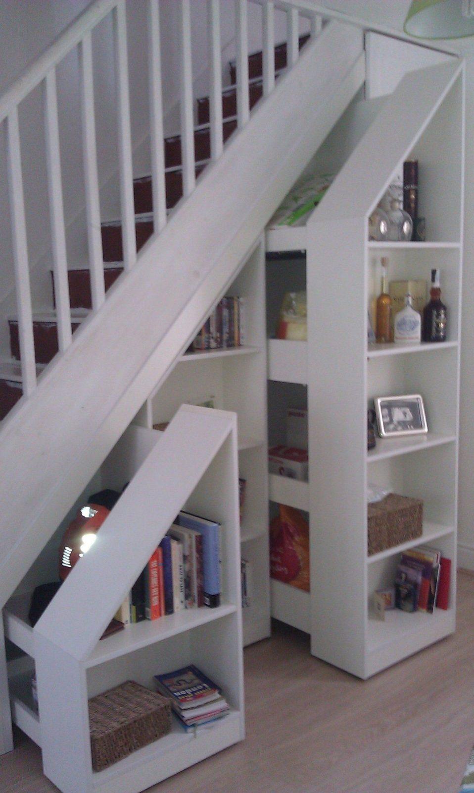 Pull Out Stair Bookcases In White Httpwwwarthanfurnitureuk von Regal Unter Der Treppe Photo