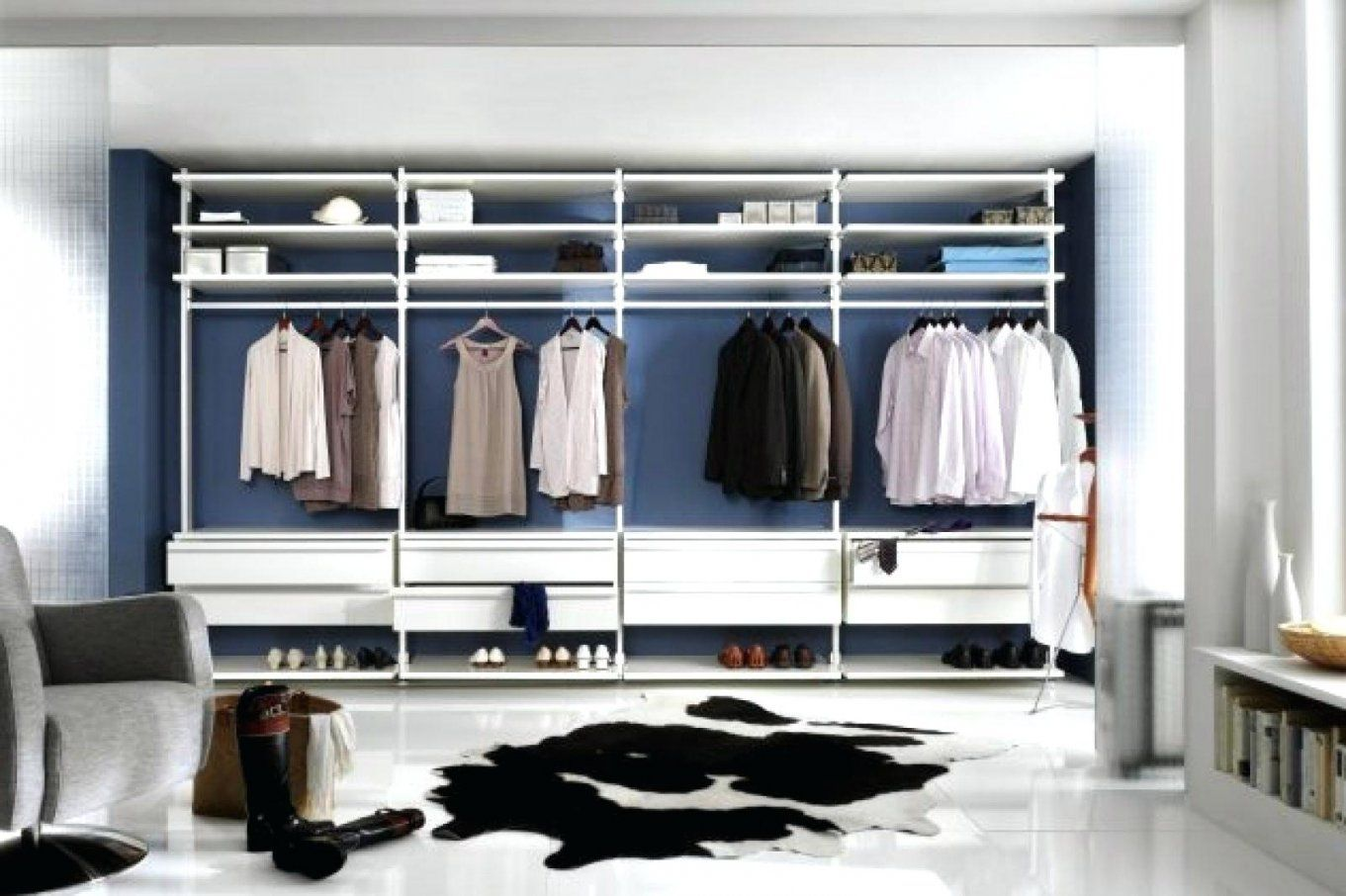 regale begehbarer kleiderschrank regalsysteme veneto. Black Bedroom Furniture Sets. Home Design Ideas