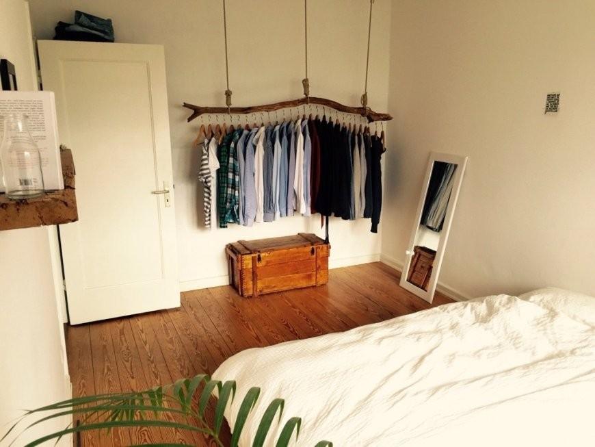 Schlafzimmer Mit Origineller Kleiderstange Aus Holz Ist Luxus von Diy Ideen Für Jugendzimmer Bild