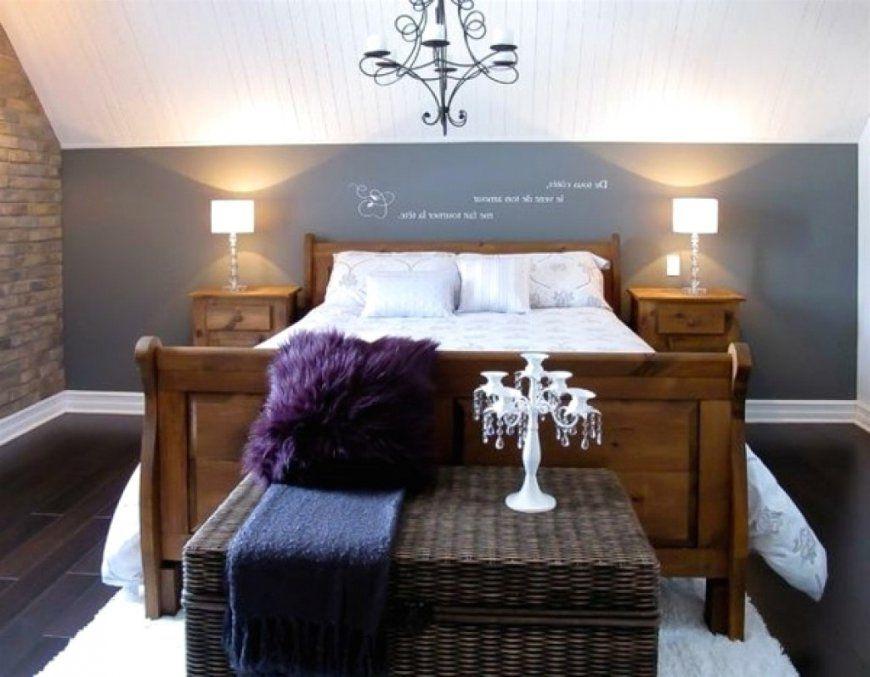 Schlafzimmer Schräge Verwirrend Auf Dekoideen Fur Ihr Zuhause In von Tapeten Schlafzimmer Mit Schräge Bild