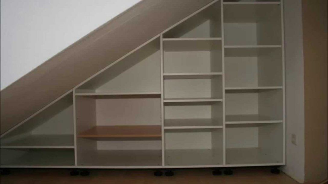 Schrank Unter Dachschräge  Youtube von Schrank Unter Treppe Ikea Bild