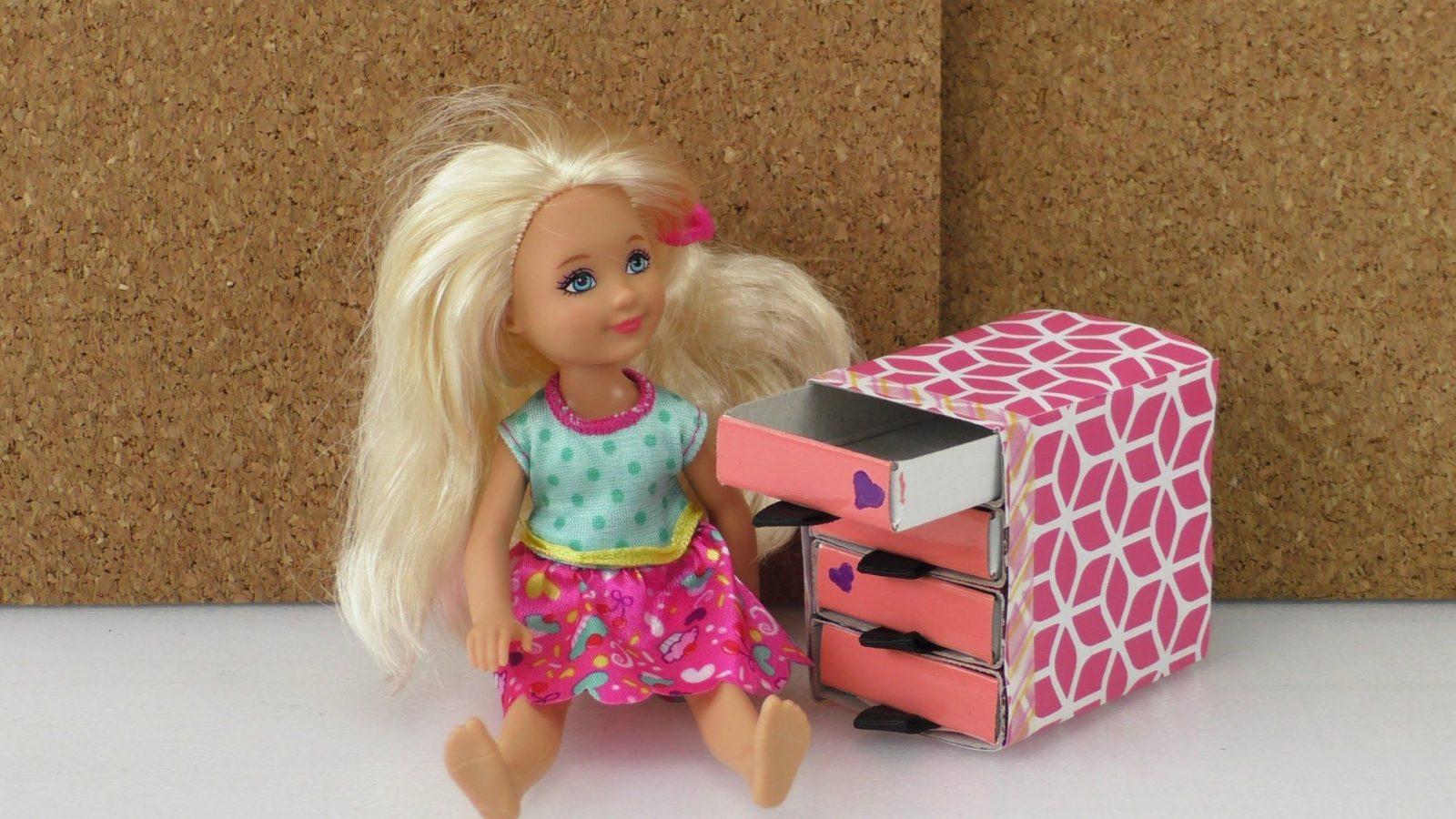 Selber Basteln  Komode Für Barbie Sylvanian Families Puppenhaus Aus von Barbie Bett Selber Bauen Bild