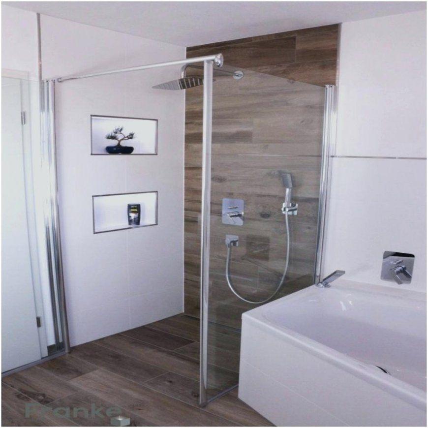 Sitzbank Dusche Aus Fliesen In Holzoptik Bodenebene Mit Rinne von Sitzbank Dusche Selber Bauen Bild