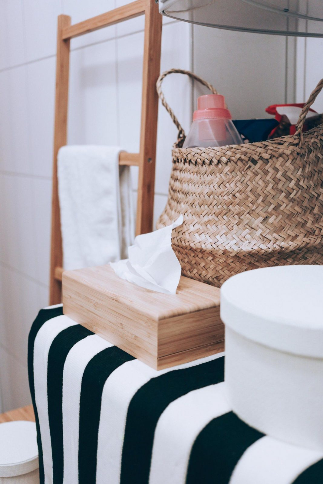 So Einfach Lässt Sich Ein Kleines Badezimmer Modern Gestalten von Kleines Bad Ohne Fenster Gestalten Photo