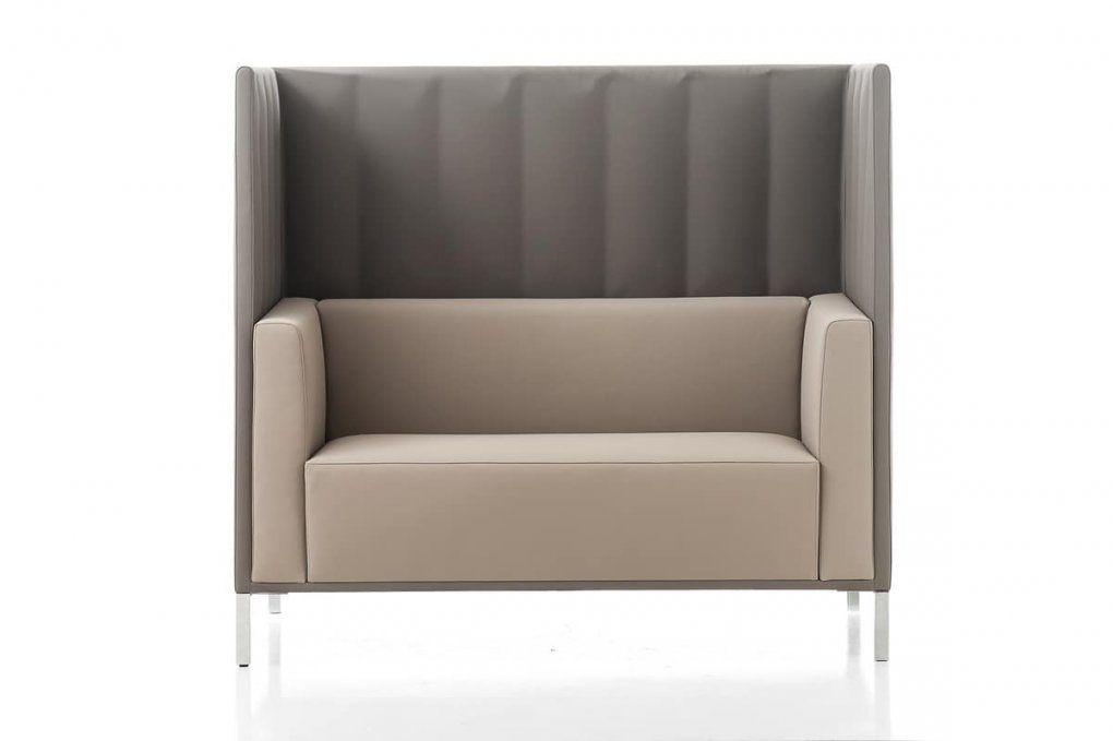 sofa mit hoher r ckenlehne haus design ideen. Black Bedroom Furniture Sets. Home Design Ideas