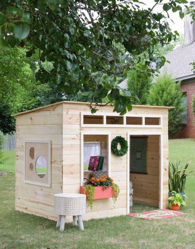 Spielhaus Für Den Garten Selber Bauen Diy Anleitung  Spielhaus von Spielhaus Holz Selber Bauen Bild