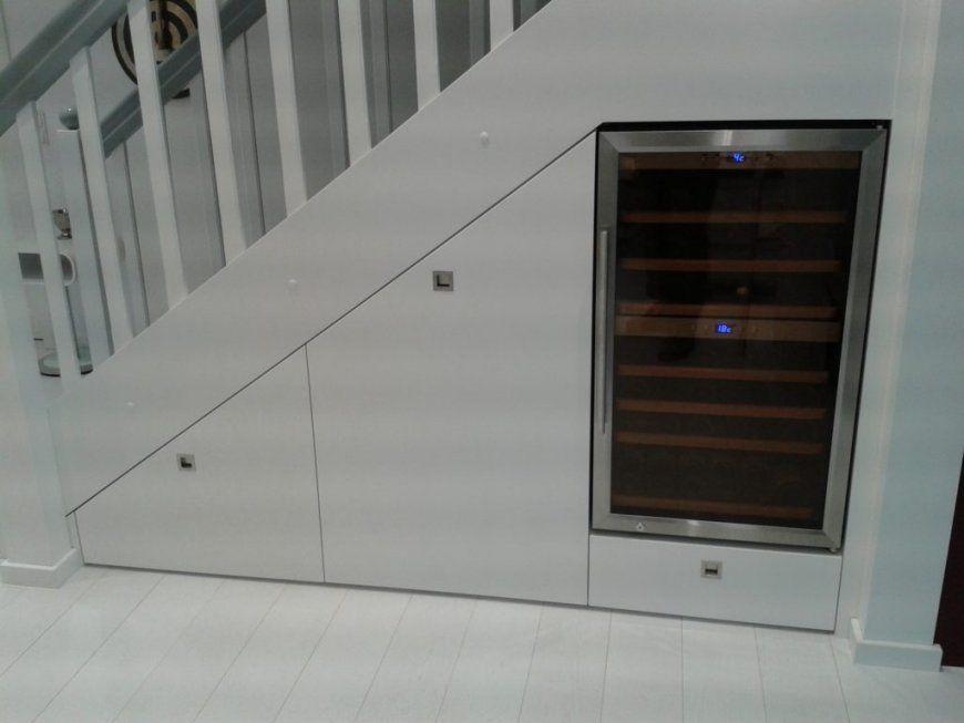 Stauraumideen Für Ihren Schrank Unter Der Treppe Youtube Intended von Schrank Unter Der Treppe Photo