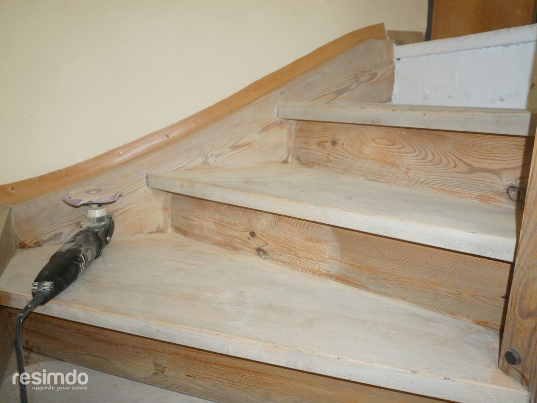 Treppenrenovierung Mit Klebefolie  Resimdo von Holztreppe Streichen Ohne Abschleifen Bild