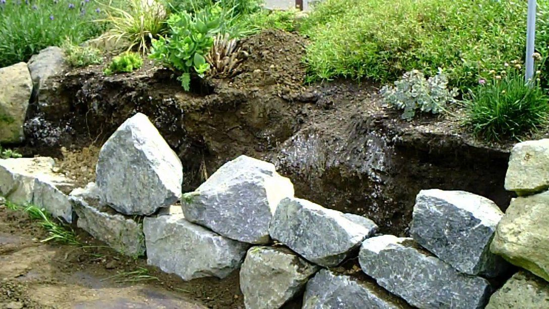 Trockenmauer Bauen  Youtube von Steinmauer Garten Selber Bauen Bild