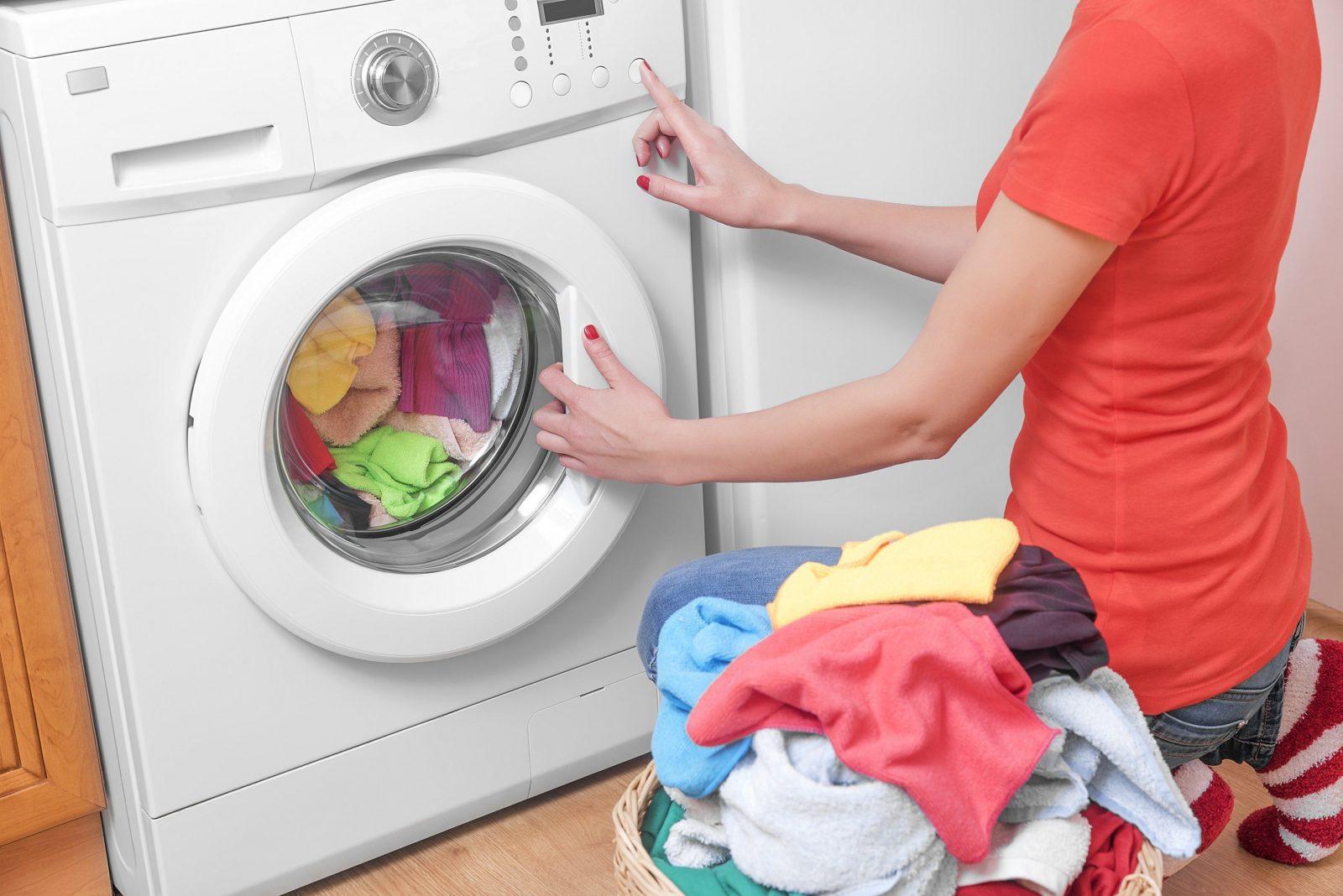 Wäsche Waschen Bei 30 Oder 40 Grad So Wird's Sauber Und Keimfrei von Socken Waschen Wieviel Grad Bild