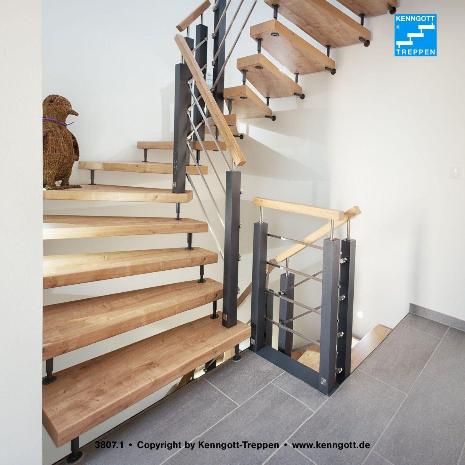 Wohnqualität Freitragende Kenngotttreppe Mit Asteiche Longlife von Freitragende Treppe Selber Bauen Bild