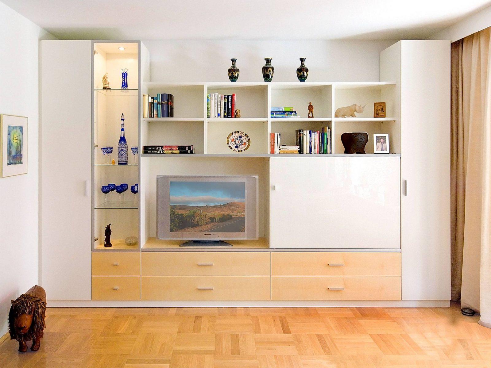 Wohnwand Mit Integriertem Kleiderschrank Von Wohnwand Mit von Wohnwand Mit Integriertem Kleiderschrank Bild