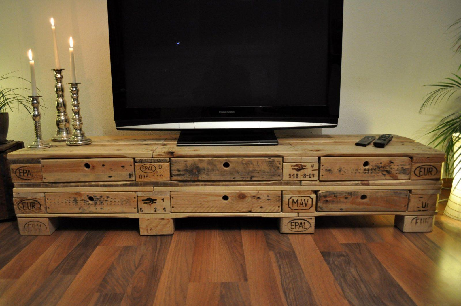 Wunderbar Tv Möbel Aus Europaletten Zum Schrank Aus Paletten von Tv Möbel Aus Europaletten Photo