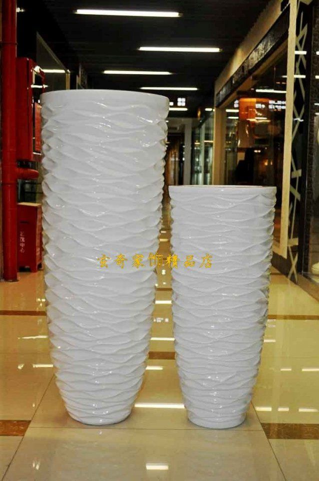 112 Wavy White Large Floor Vase  Modern Fashion Flower  Brief von Large White Floor Vase Photo