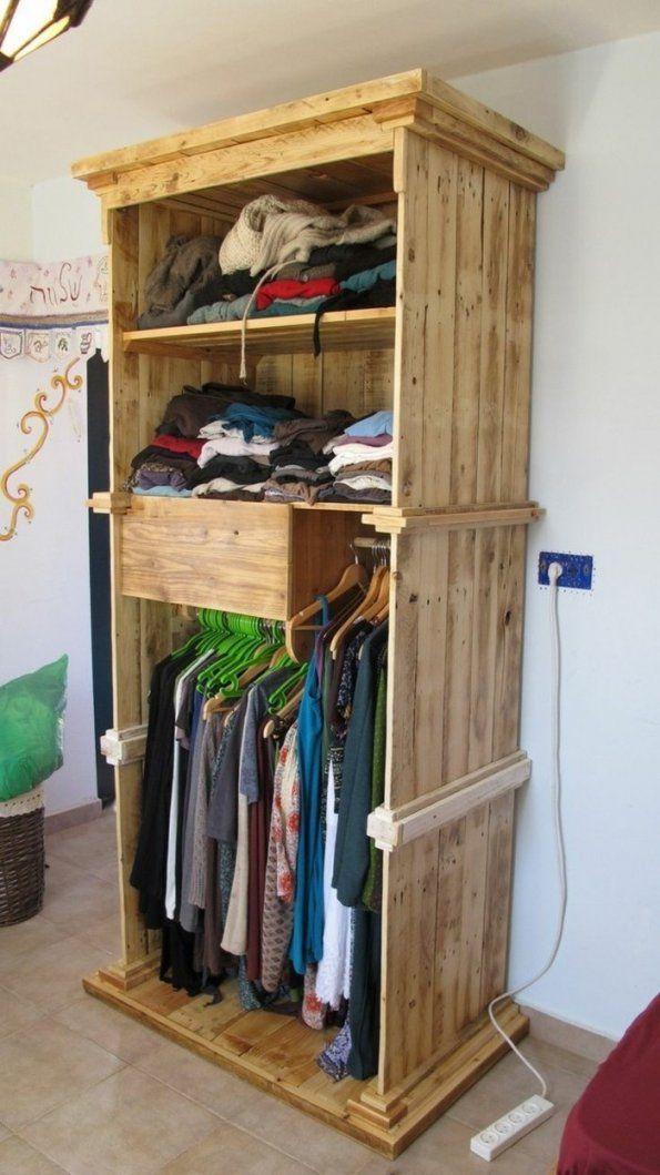 22 Diy Ideen Wie Man Garderobe Aus Paletten Selber Bauen Kann Avec von Garderobe Selber Bauen Palette Bild
