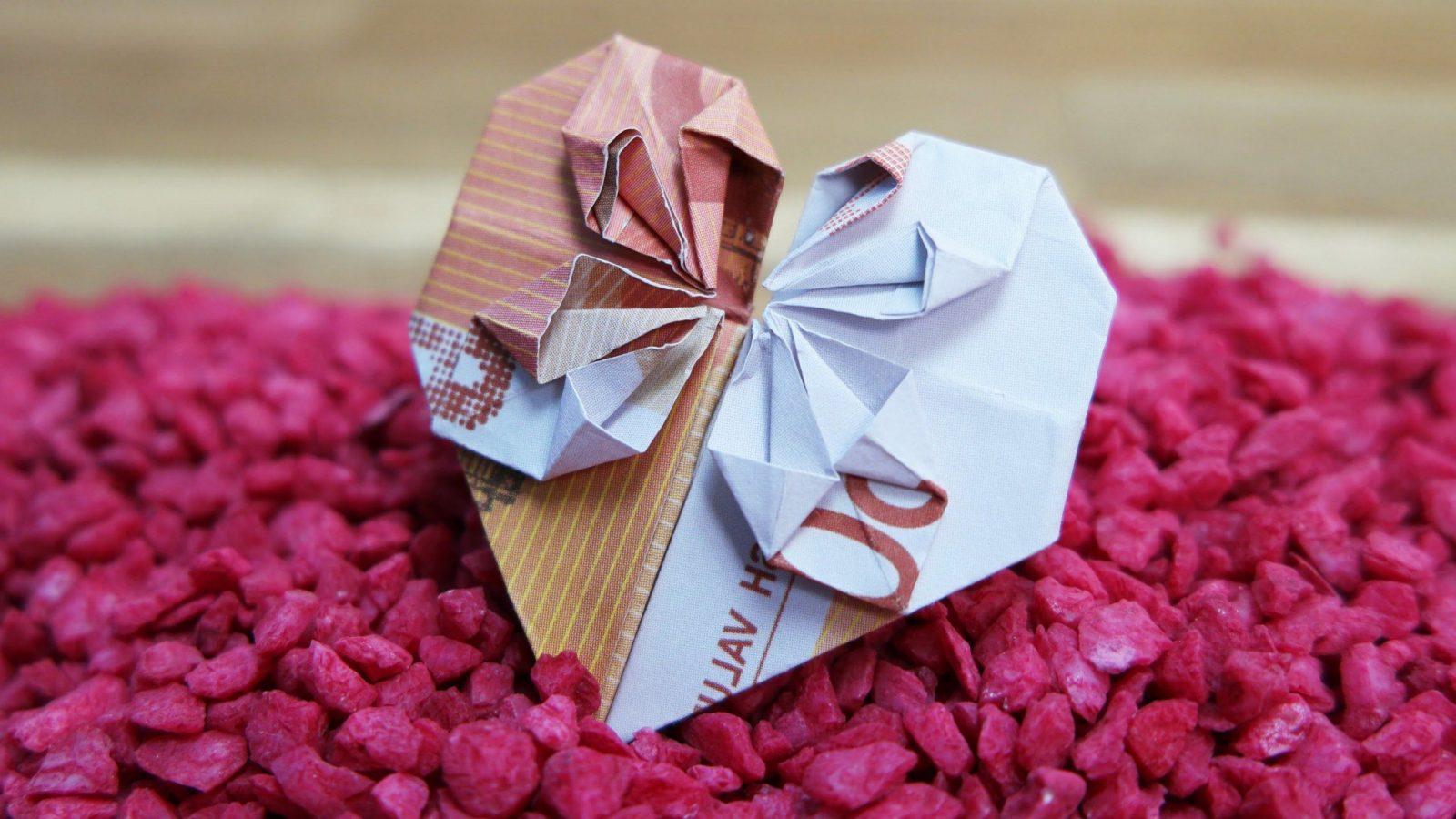 4 Einfache Schritte Für Origami Geld Herz Falten  Diy  Zenideen von Geldschein Zum Herz Falten Bild