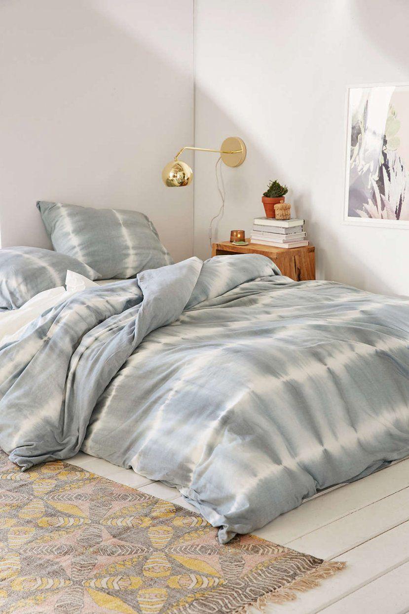 Ab Ins Bett  Wie Euer Schlafzimmer Zum Cozy Rückzugsort Wird von Urban Outfitters Bettwäsche Photo