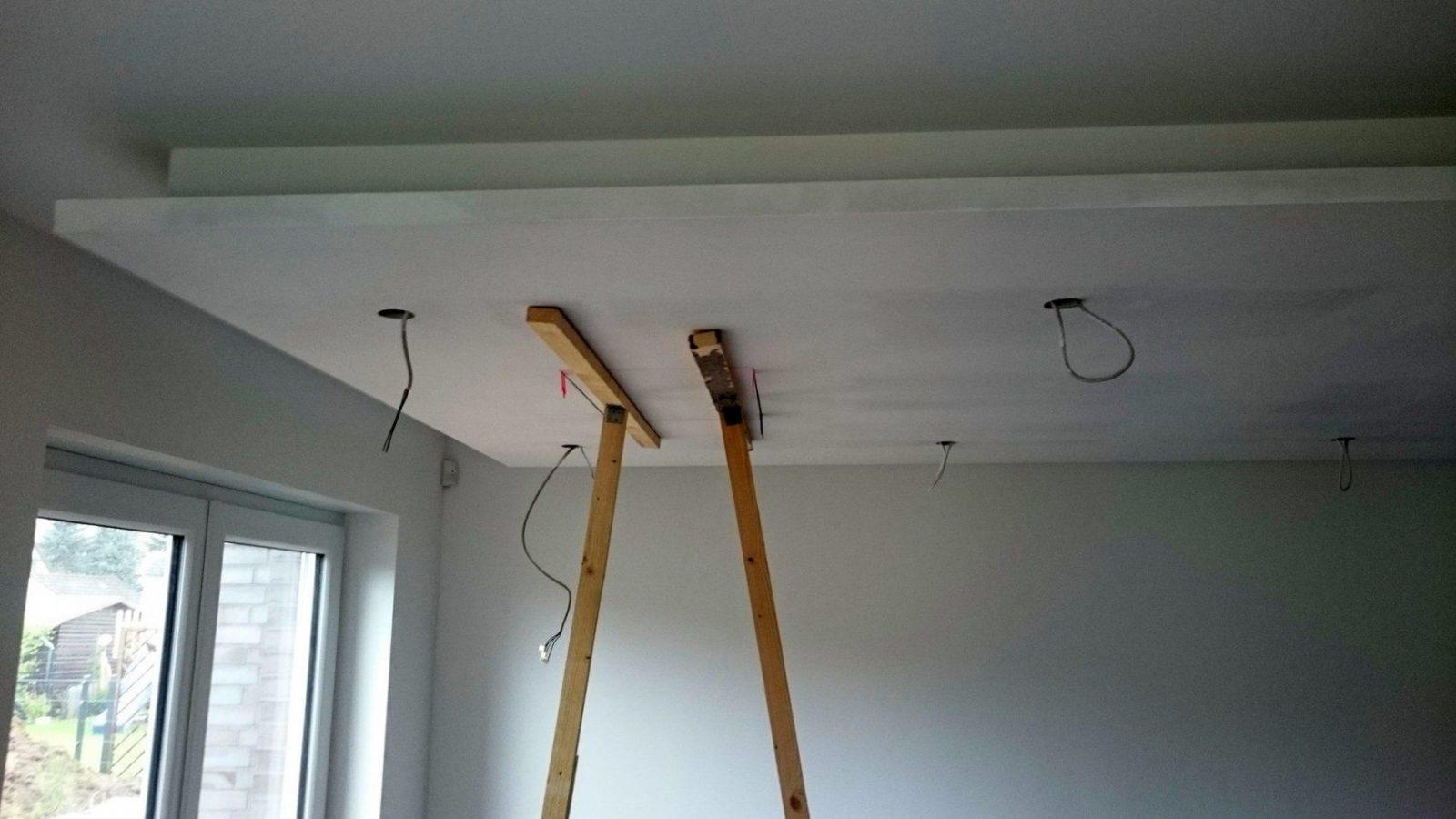 Abgehängte Decke Mit Indirekter Beleuchtung (Lichtvouten) Selber Machen von Rigips Decke Indirekte Beleuchtung Bild