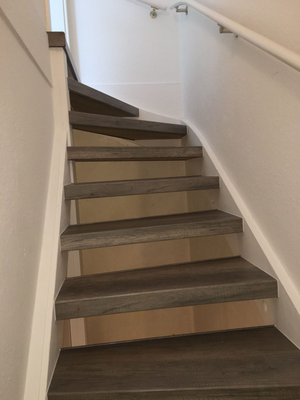 Alte Treppe Idee Fene Treppen Neu Gestalten Alte Treppe Neu von Alte Holztreppe Neu Gestalten Bild