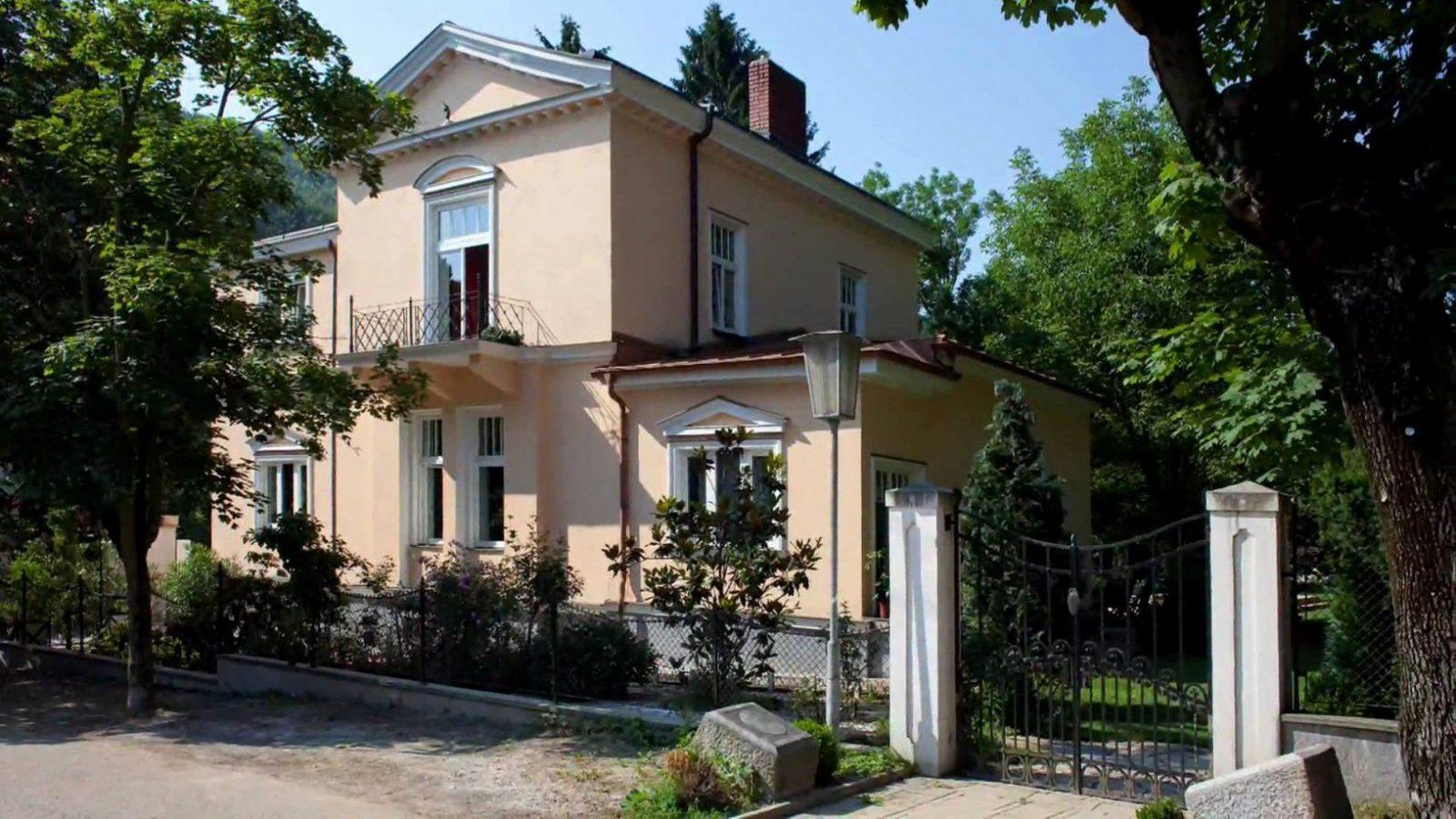 Altes Haus Renovieren Vorher Nachher Inspirierend Snofab  Comacina von Altes Haus Renovieren Vorher Nachher Photo
