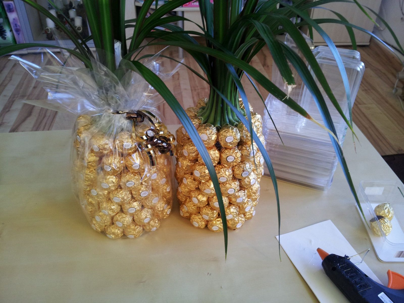 Anleitung Für Eine Ferrero Rocher Ananas  Palme  Ferrero Rocher von Rocher Baum Selber Machen Photo