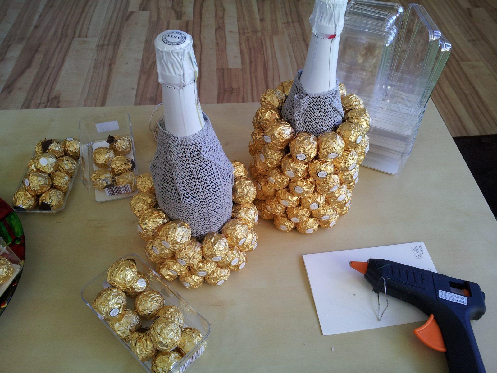 Anleitung Für Eine Ferrero Rocher Ananas  Palme  Srdecoration von Rocher Baum Basteln Anleitung Photo