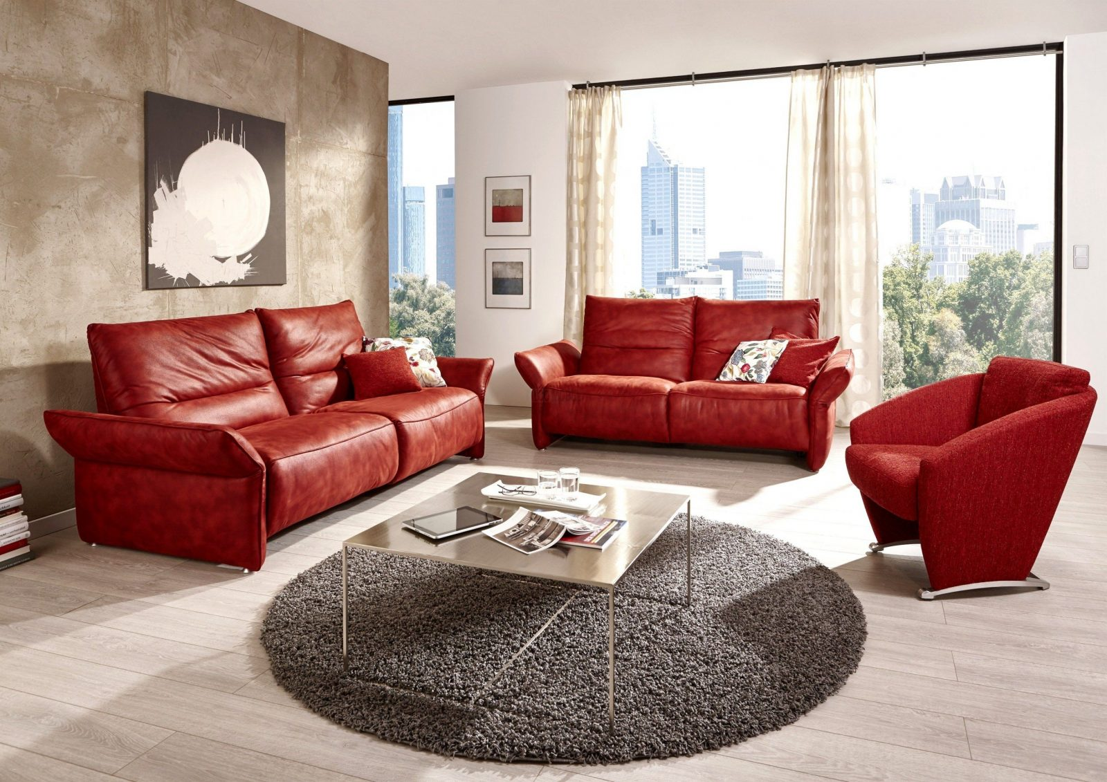 Rote couch welche wandfarbe haus design ideen - Rote wandfarbe ...