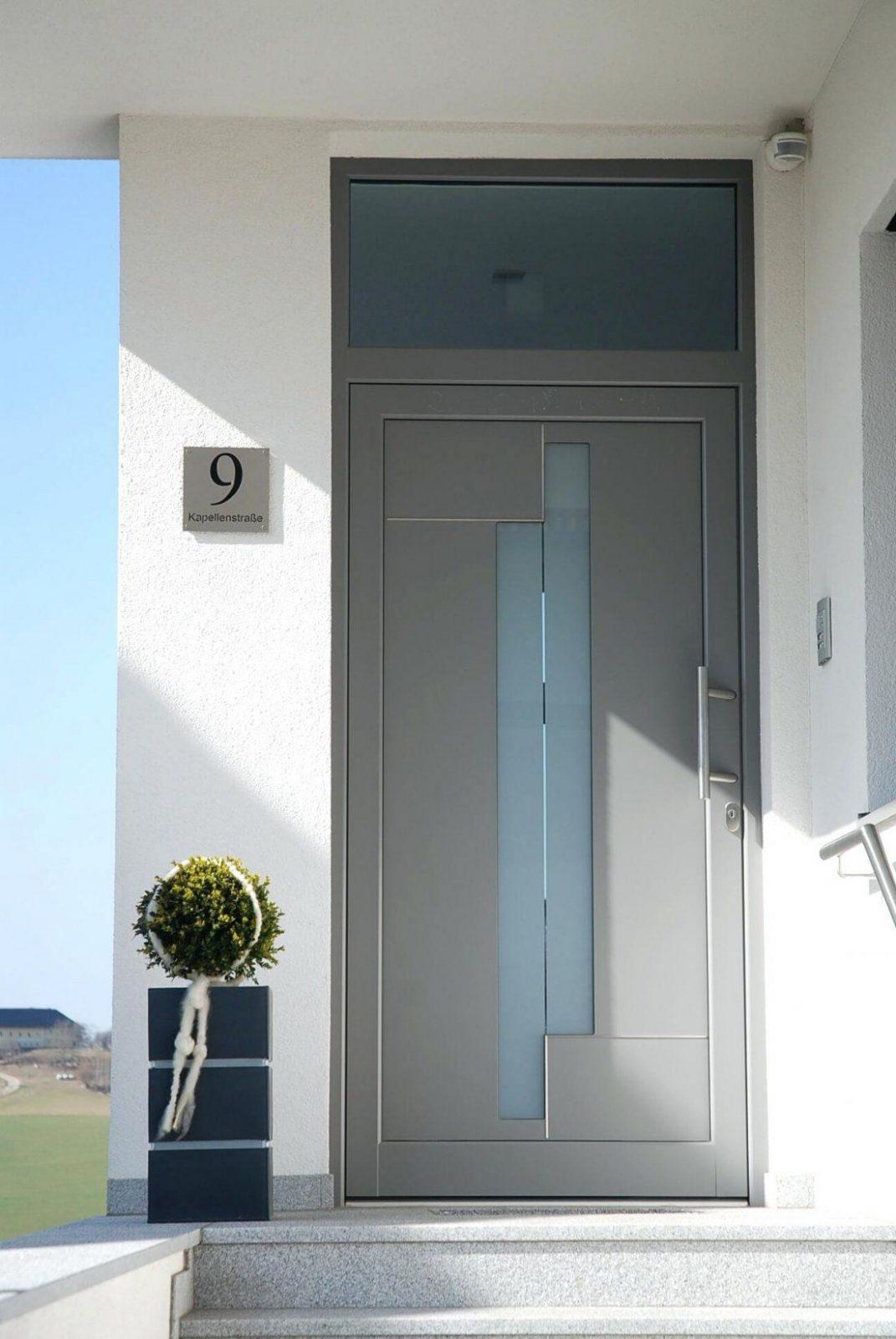 Anthrazit Fenster Mit Vorsatzrollladen In Fensterbank Welche Innen von Fenster Ohne Fensterbank Außen Photo