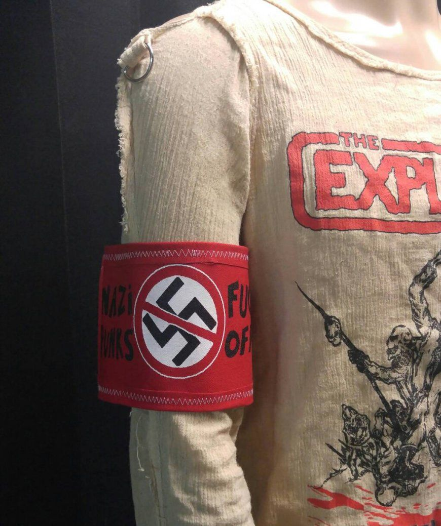 Arm Band 3 Anti Hakenkreuz Nazi Punks Fuck Off Dead von Hakenkreuz Bettwäsche Kaufen Photo