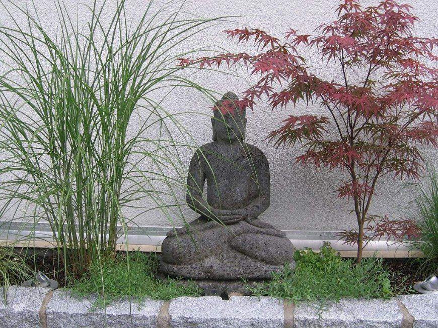 Asiatischer Garten Deko  Uruenavilladellibro von Japanische Deko Für Den Garten Photo