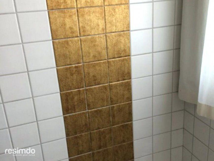 Auf Fliesen Kleben Bad Modern Renovieren Mit Folie Ueberkleben Von  Selbstklebende Folie Fliesen Überkleben Photo
