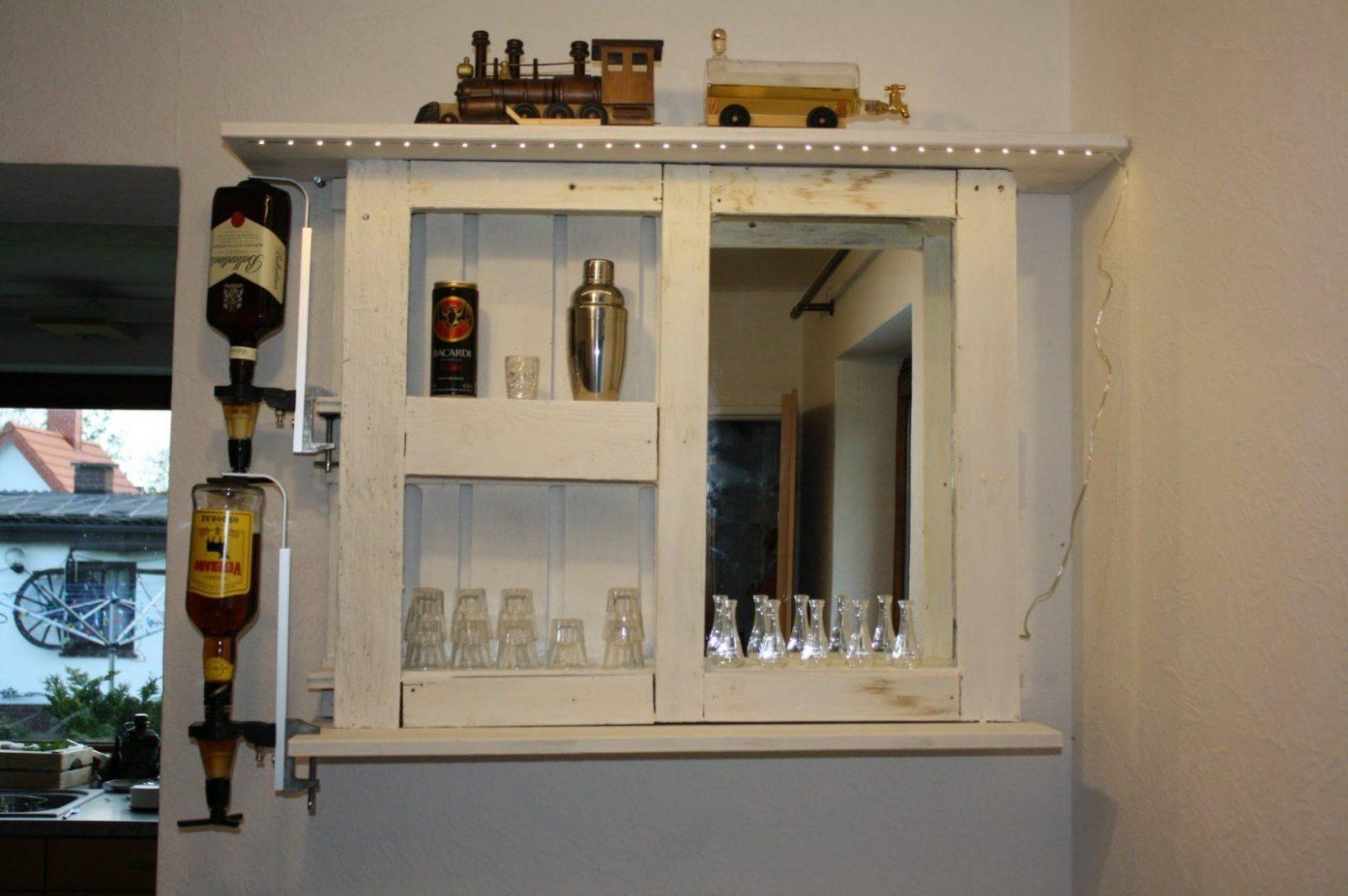 Aus Alt Mach Neu Paletten Bar Palettenmöbel Selber Bauen Upcycling von Bar Aus Paletten Anleitung Bild