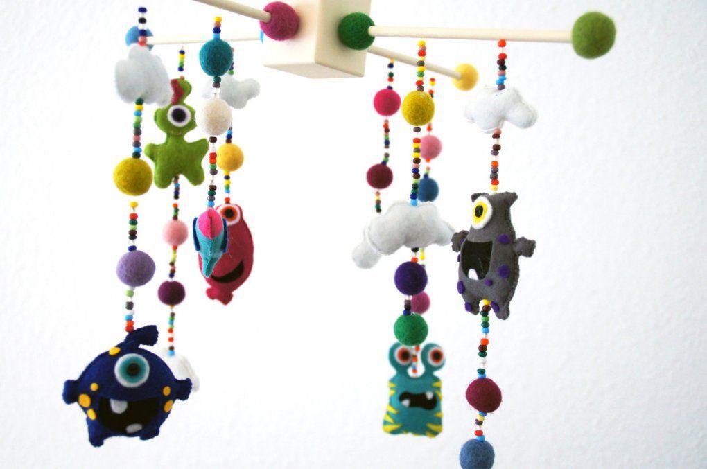 Baby Monster Mobile Aus Filz Anleitung Kerrilottas Welt Avec Baby von Baby Mobile Selber Basteln Anleitung Photo