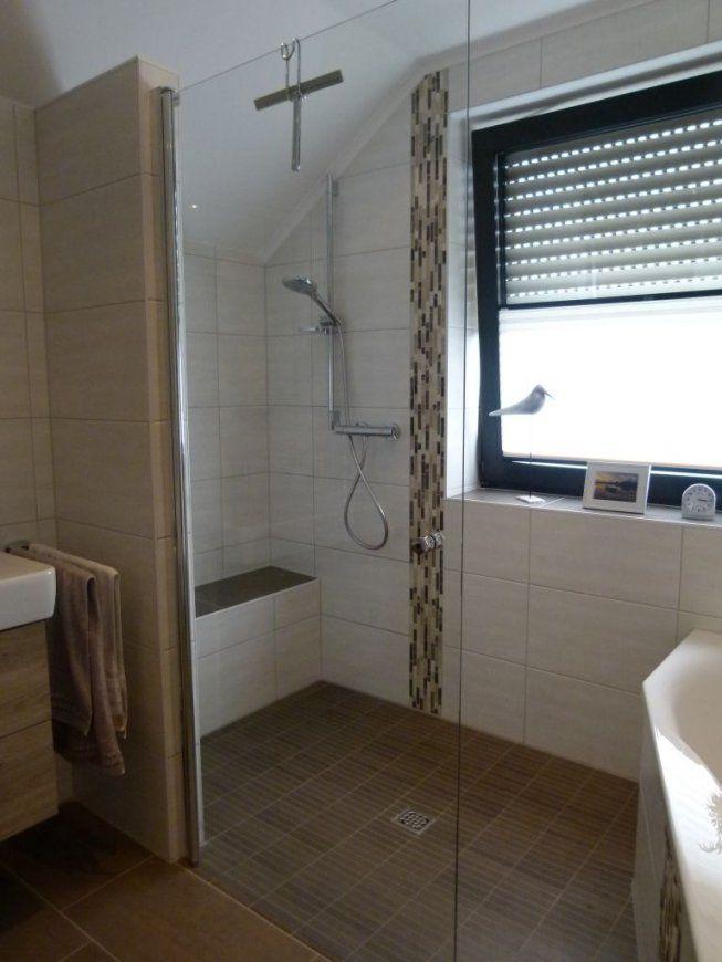 Bad Mit Wanne Und Dusche  Badgalerie von Dusche Vorm Fenster Lösung Bild