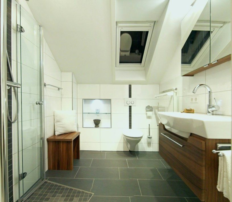 Badezimmer Klein Modern Einzigartig Modern Bad Dachschräge Modern von Badezimmer Klein Modern Bild