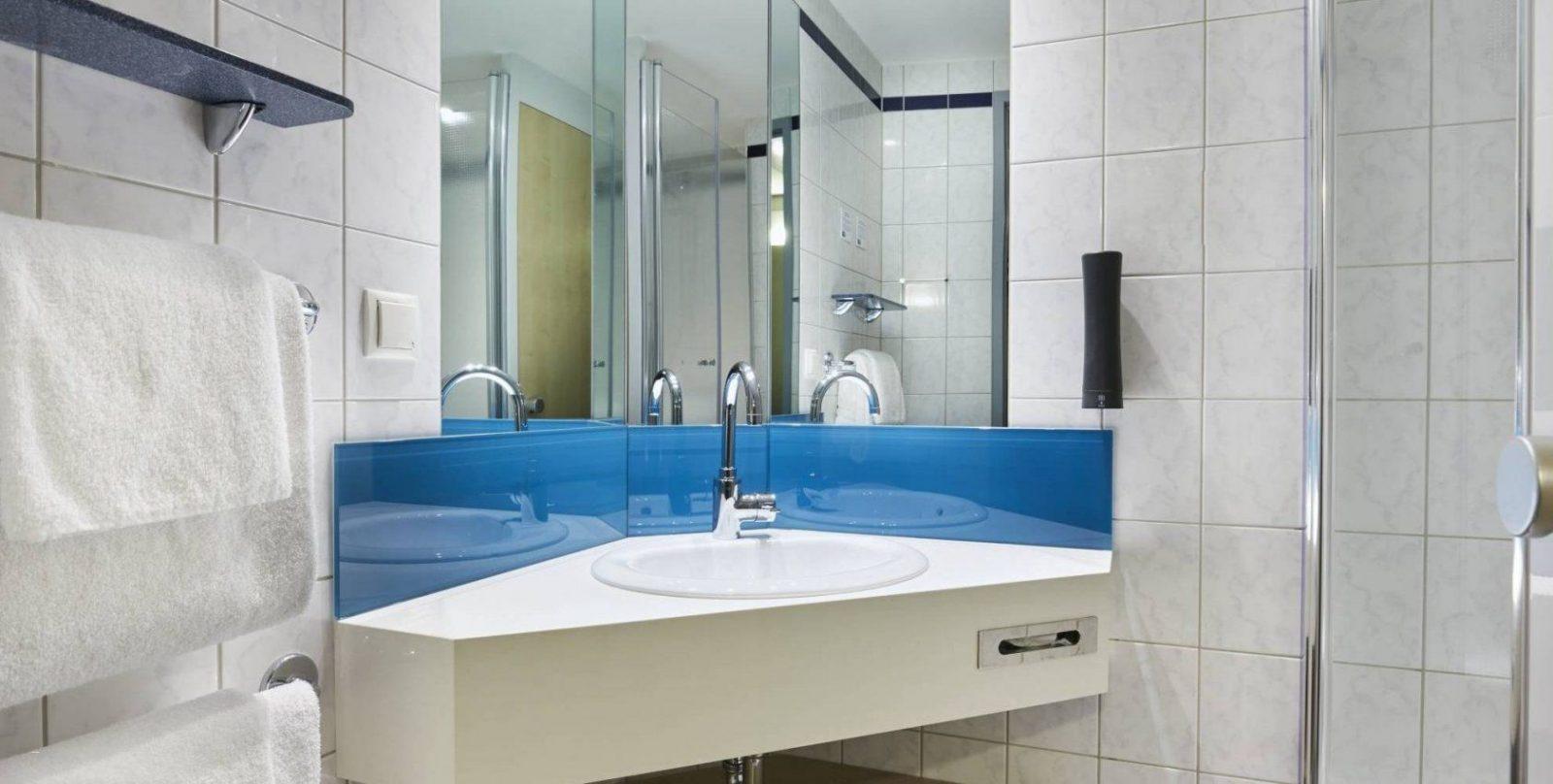 Badezimmer Kostengünstig Renovieren Genial Einzigartige Bad von Badezimmer Kostengünstig Renovieren Bild