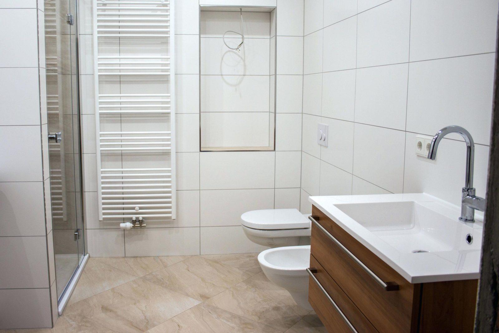 Badezimmer Renovieren Badezimmer Fliesen Deko Badezimmer Renovieren von Bad Renovieren Ohne Fliesen Entfernen Photo