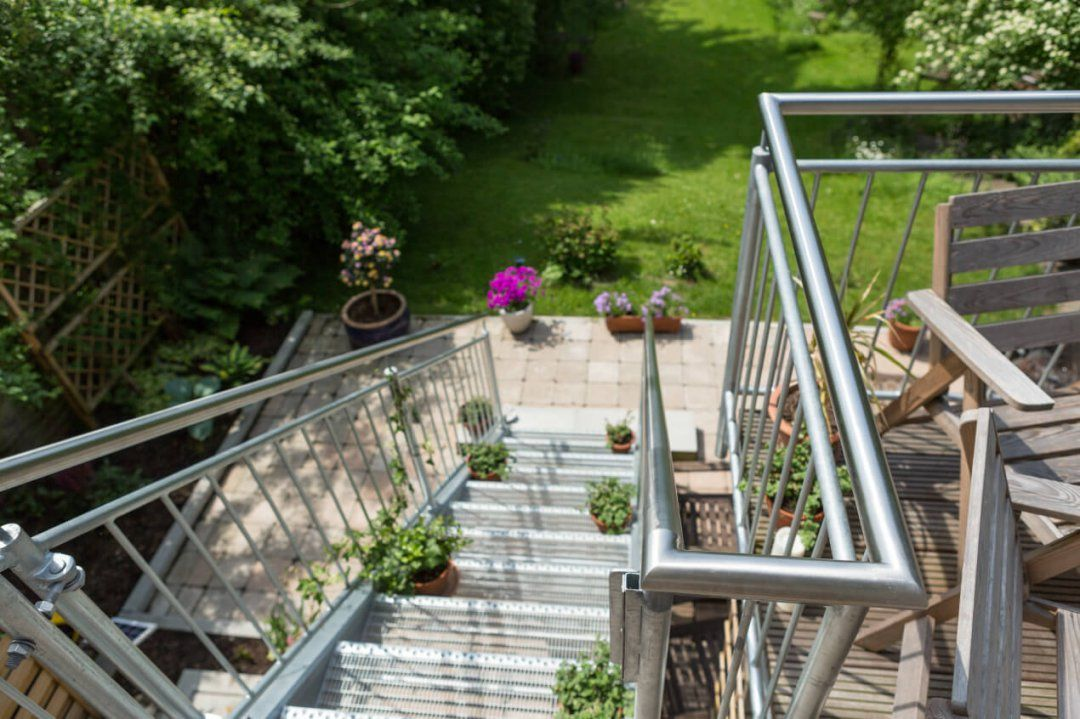 Balkon 07  Metallbau Heiner Dressrüsse Gmbhmetallbau Heiner von Treppe Vom Balkon In Den Garten Bild