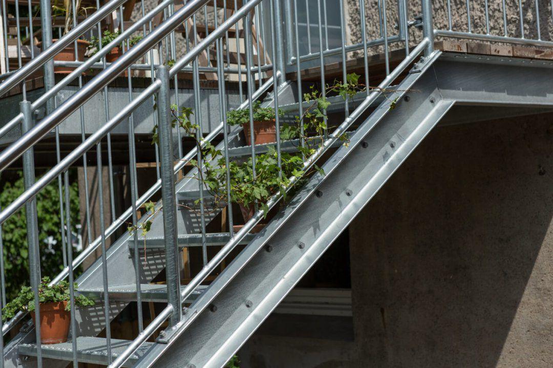 Balkon 07  Metallbau Heiner Dressrüsse Gmbhmetallbau Heiner von Treppe Vom Balkon In Den Garten Photo