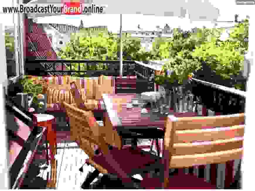 Balkon Eckbank Mit Tisch von Balkon Eckbank Mit Tisch Photo