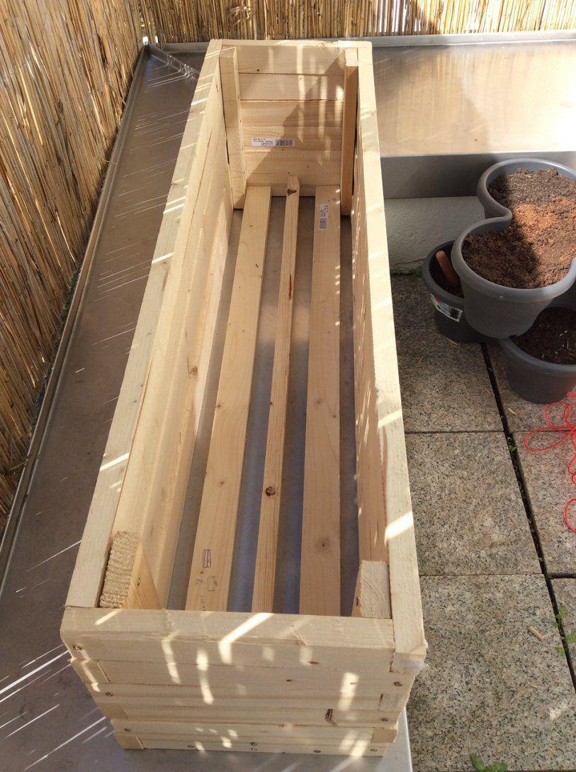Paletten blumenkasten blumenk bel mit zweiter pflanzetage avec von holz blumenkasten selber - Mediawand selber bauen ...