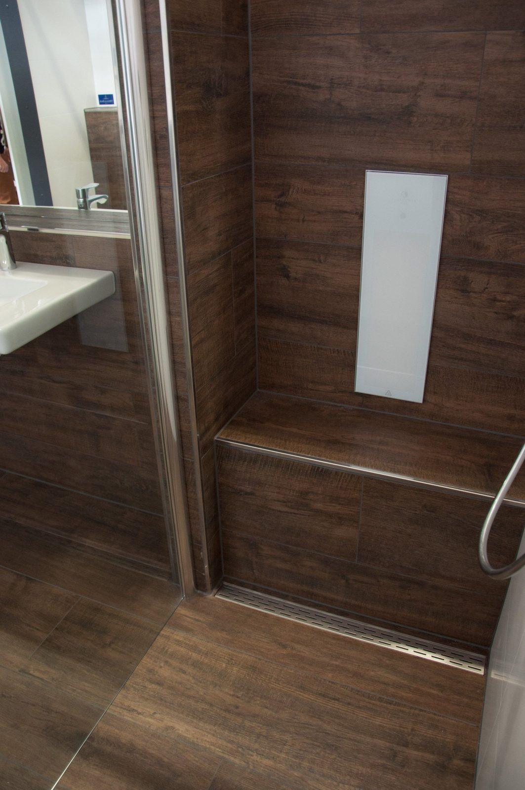 Begehbare Dusche Mit Sitzbank Frisch Dusche Sitzbank Aus Fliesen In von Begehbare Dusche Mit Sitzbank Bild