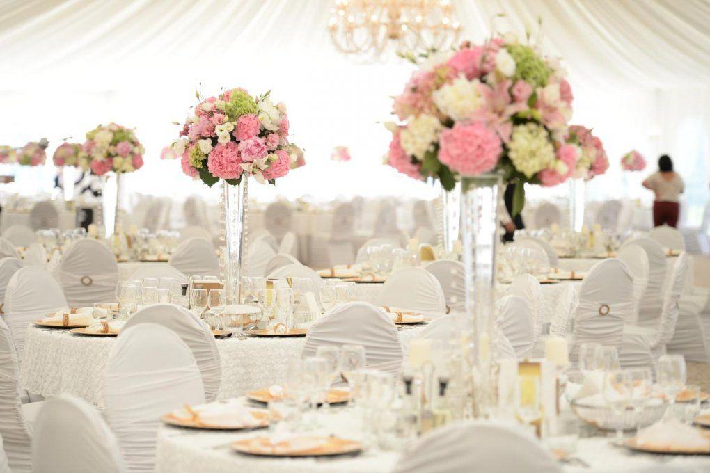 Beispiele Für Blumen Auf Runden Tischen Für Die Hochzeit von Tischdeko Hochzeit Vintage Rosa Bild