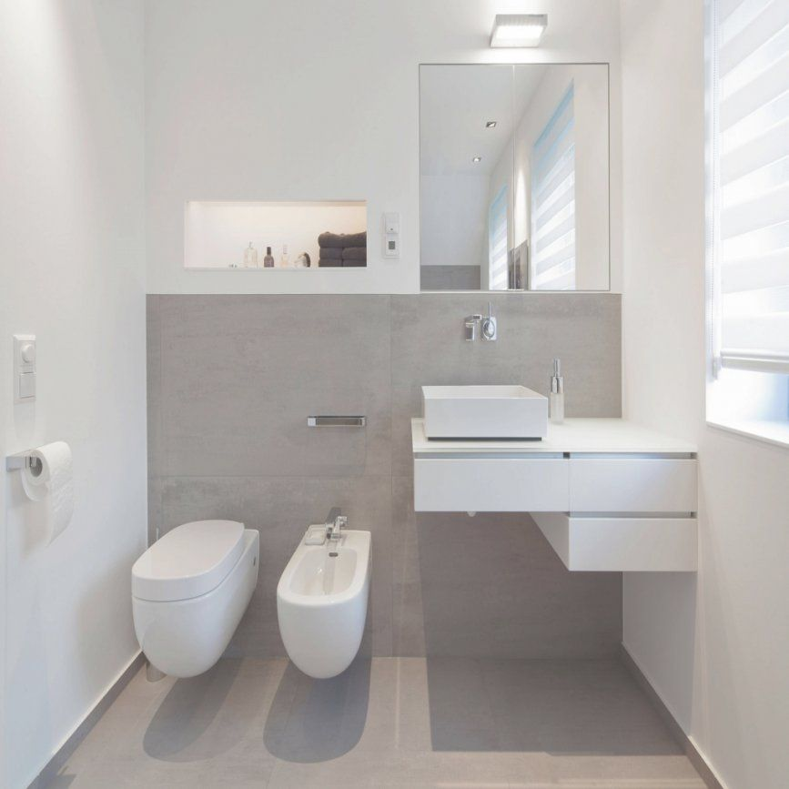 Bemerkenswert Badezimmer Grau Weiß In Fliesen Braun Un 2018 Innen von Bad Grau Weiß Gefliest Photo
