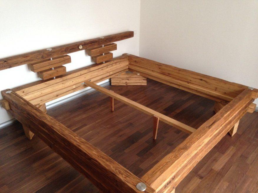 Bett Aus Alten Holzbalken von Bett Aus Alten Balken Bild