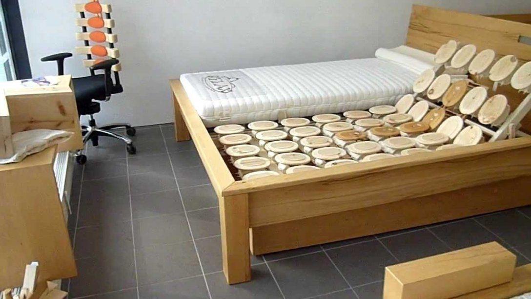 Betten Nur Aus Naturholz Ohne Metall Und Chemie Bei Bettkonzept In von Bett Aus Holz Bauen Photo